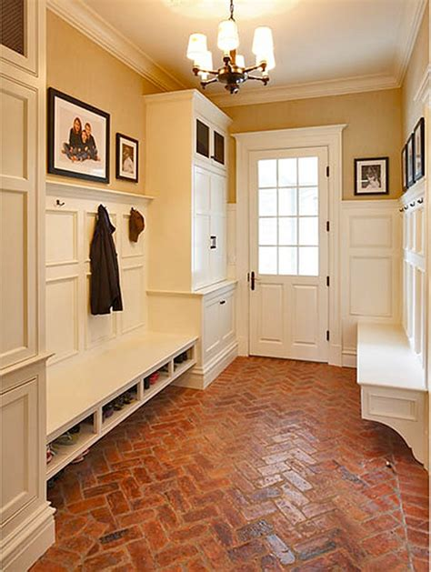 Mudroom Floor Ideas | 5 options for mudroom flooring