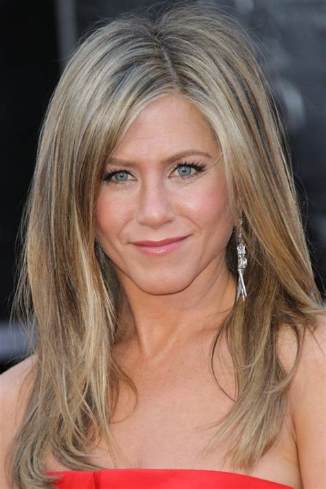 aniston s hair color pictures what s the best hair color in
