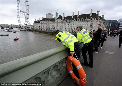 thames river jump westminster bridge drama as two people jump into thames