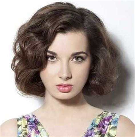car mal highlight on wavy bob hair cut trendy short haircut styles for women hairstylesco