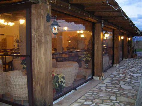verande in plastica chiusure per terrazzi tende verticali esterno verande