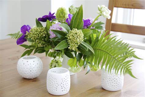 diy beautiful flying flower arrangements learn how to make a spring floral arrangement