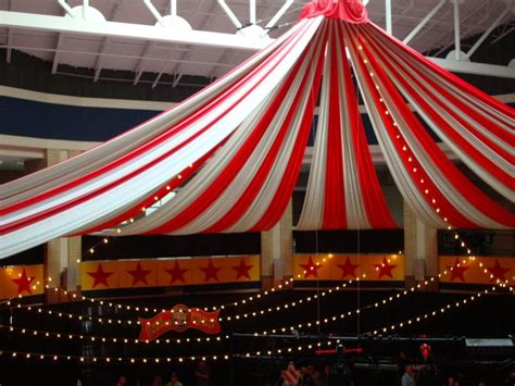 Circus Tent Decorations by Best 25 Circus Decorations Ideas On Circus