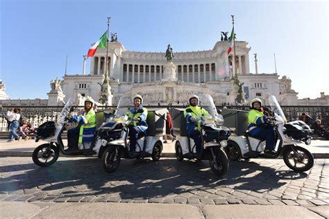 poste italiane ecco i nuovi tricicli elettrici per i