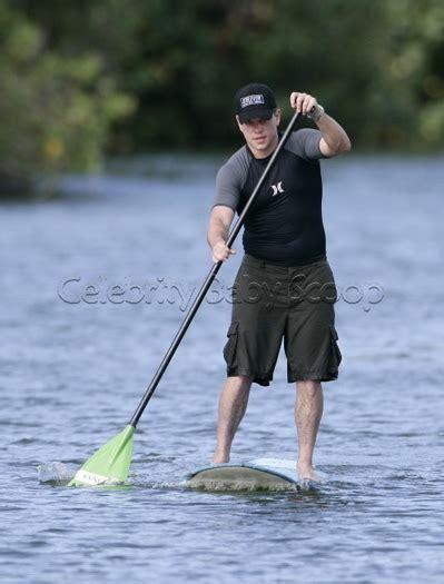 Garner Paddles A Surfboard by Garner Matt Damon Paddle Surf Baby