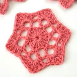 Crochet motif 53 from beyond the square crochet motifs