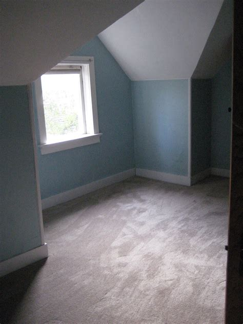 What Color Rug Goes With A Grey by What Color Walls Go With Light Blue Carpet Carpet Vidalondon
