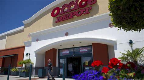 Office Depot Near Usf Office Depot Closed 31 Stores In Q2 South Florida