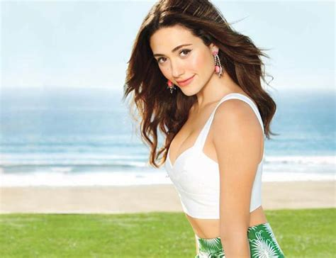 emmy rossum cold pursuit emmy rossum gets candid about her role in cold pursuit