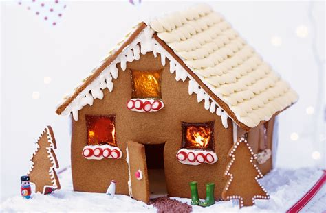 how to make gingerbread house the great gingerbread house competition revelblog