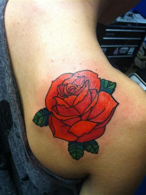 traditional english rose tattoo best 25 traditional tattoos ideas on