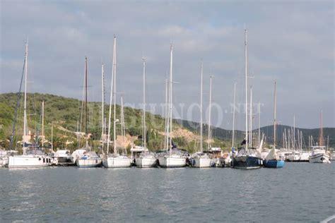 talamone porto porto chiuso a talamone per le barche pi 249 grandi il