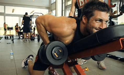 tebow bench press tim tebow s upper body muscle building workout muscle