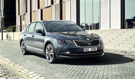 new skoda skoda shows facelifted 2017 octavia in new images and