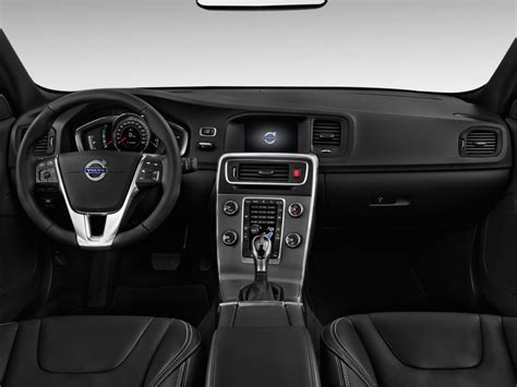 image  volvo   door sedan  drive  fwd dashboard size    type gif posted