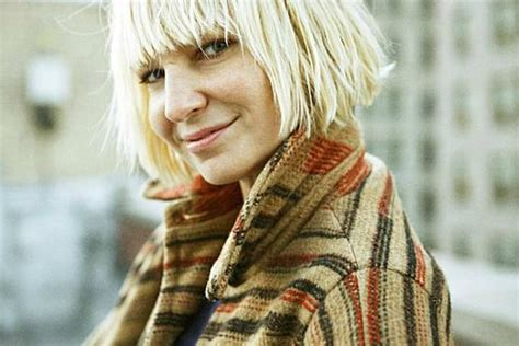 Who Sings The Song Chandelier Sia Channels Rihanna In New Single Chandelier