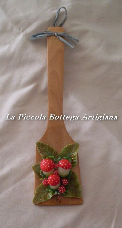 vasetto in cristallo con rosse decorato con pasta di 24 best images about creazioni in pasta di mais on