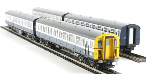 One Set 423 hattons co uk hornby r3143 class 423 vep 4 car set in br blue grey