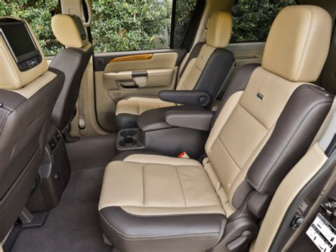 Suv Captain Chairs by 10 Suvs With Second Row Captain S Chairs Autobytel