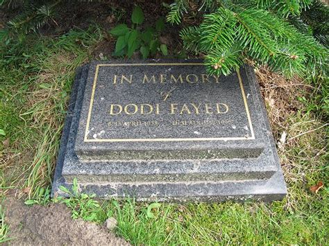 princess diana grave princess diana burial site photos memorial to dodi fayed