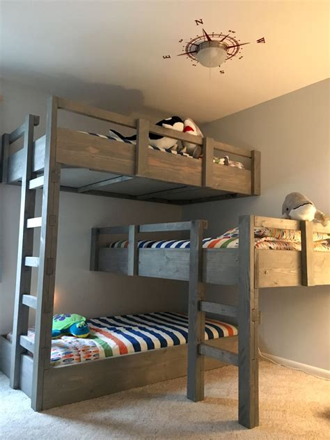 Three Bed Bunk Beds Like The Color Of The Beds Pinteres