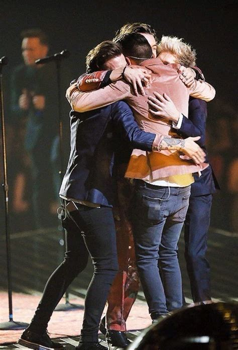 louis tomlinson x factor group one direction group hug x factor 2015 one direction