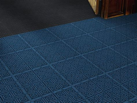 Waterhog Eco Premier Carpet Tile   18 x 18 Glue Down
