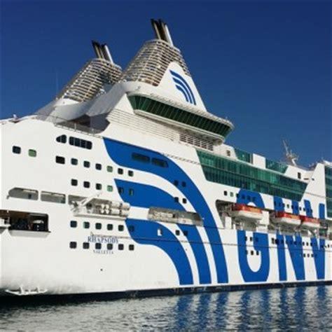 porto genova grandi navi veloci grandi navi veloci gnv traghetti