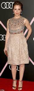 Jessy Dress Miulan elisabeth moss stands out at to celebrate golden