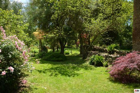 giardino ninfa giardino di ninfa cisterna di notizie