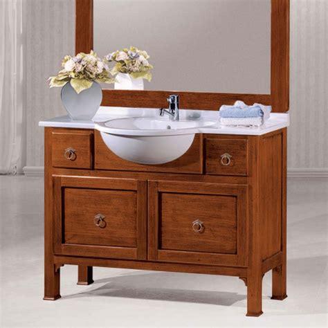 specchiera bagno legno bagno classico in legno con specchiera