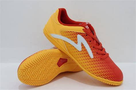 Sepatu Casual Olahraga Futsal Sekolah Madenike U Pria Wanita Unisex C katalog sepatuku 085607538901