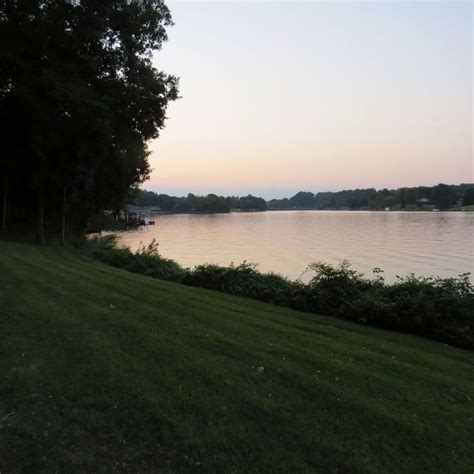 lake anna boat rentals private side lake anna retreat on the public side with over 300 of