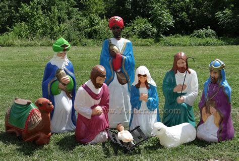 life size outdoor nativity scene