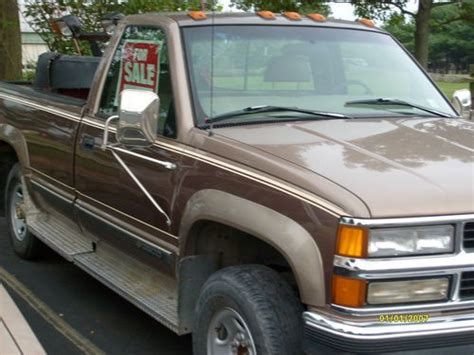 find used 1997 chevy 3500 4x4 454 motor automatic body nice with boss plow needs work in