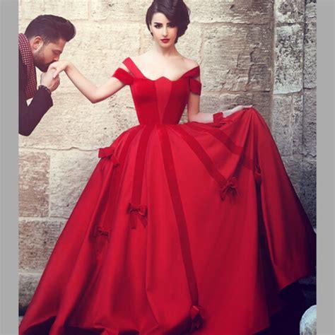 unique red gothic wedding dresses  scalloped short