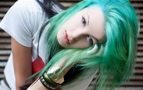 emo culture hairstyles female emo hairstyles haircuts