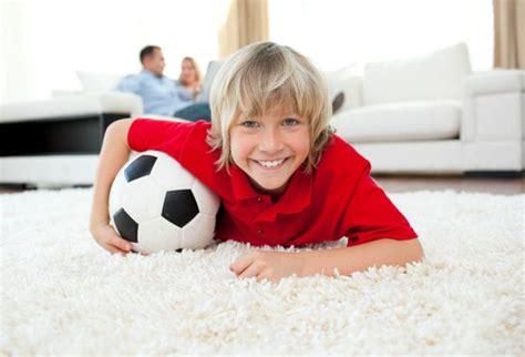 coole teppiche für jungs fussball kinderzimmer dekor
