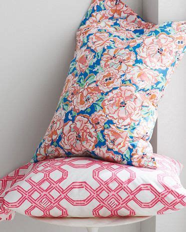 lilly pulitzer bedding collections 17 best images about staging the winghurst house on pinterest modern farmhouse cove