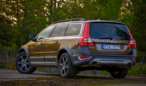 volvo xc adds  engine  safety technology  caradvice