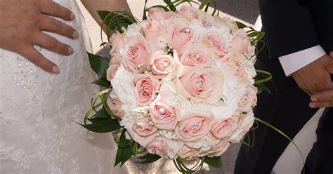 fiori bouquet sposa il bouquet per la sposa origini e tendenze al chiar di