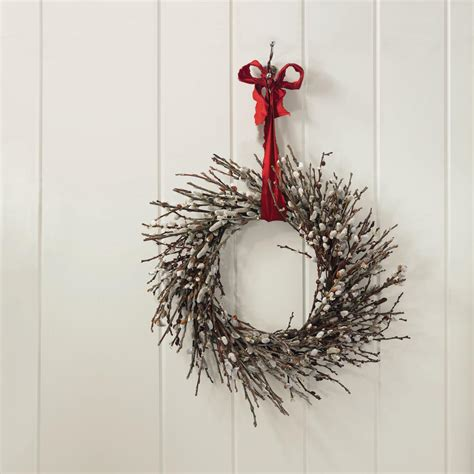 20 winter wreaths door decorations you can display all 20 winter wreaths door decorations you can display all