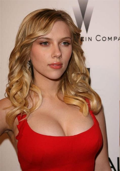 body measurements celebrity measurements bra size scarlett johansson body measurements celebrity bra size