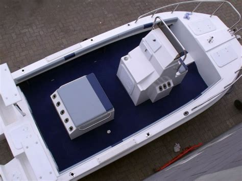 yeld cat boat review butt cat 490 centre console leisure boating
