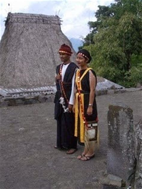 Baju Adat Ende Flores ora mengenal pulau flores dan keragaman budaya masyarakatnya