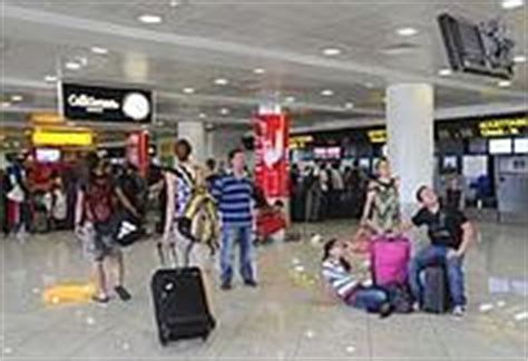 libreria feltrinelli napoli stazione centrale la lettura prende il volo a capodichino nuova feltrinelli