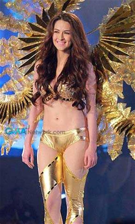 Fhm Wardrobe Malfunction - more exclusive photos from fhm s 100 sexiest victory