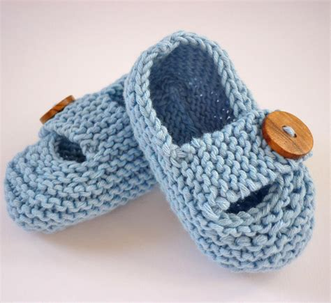 knitted baby shoes you to see keelan chunky baby shoes by julie