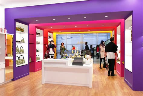 store layout en español shop design gift to give 專櫃設計 奇奇禮品 g2g rendering 縱向深型專櫃
