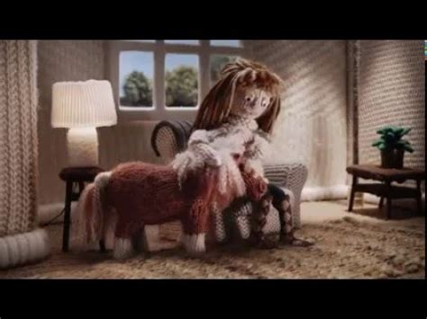 amazon commercial actress with horse amazon werbung pferde gestrickt youtube